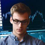 Sprawdzamy najlepsze giełdy kryptowalut według bezpieczeństwa, prostoty i kosztów. Którą giełdę kryptowalut warto wybrać?