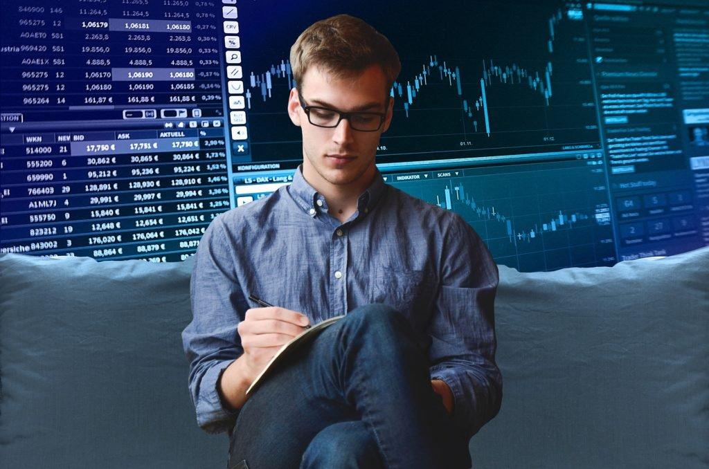 Najlepsza giełda kryptowalut - zysk z tradingu na kryptowalutach może często przekroczyć ten na rynkach akcji i obligacji. Która giełda kryptowalut jest najlepsza? Binance, Bitbay, Bitmarket, Poloniex, Kraken i wiele innych - opinie i ryzyko.
