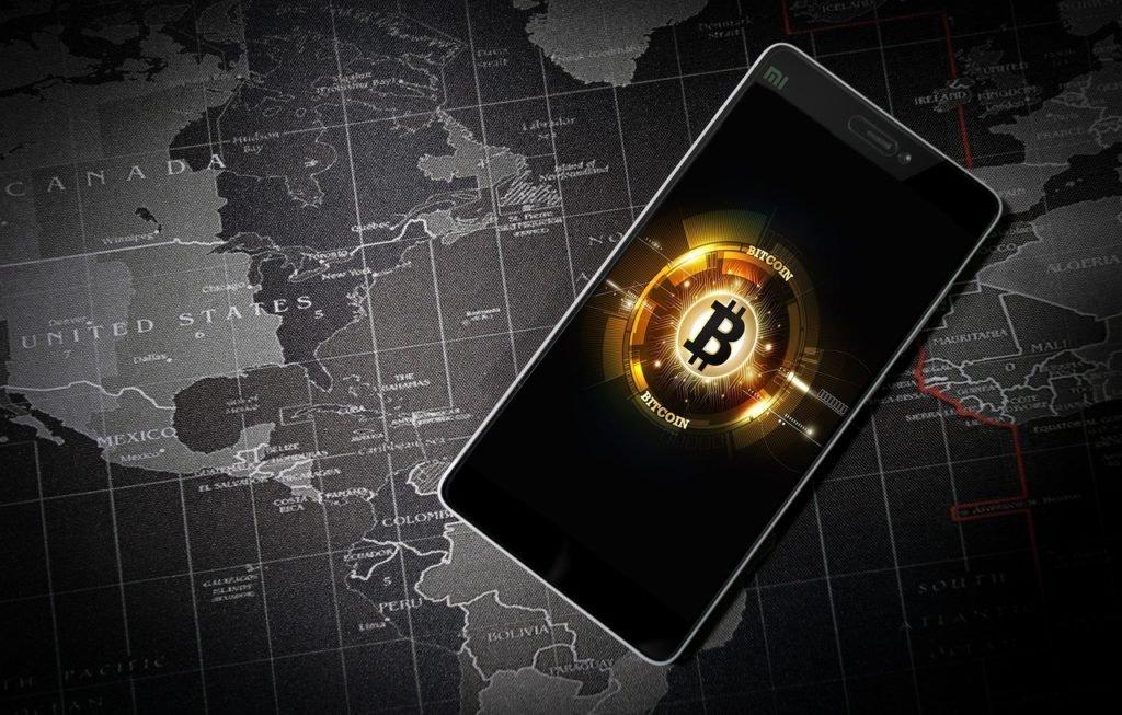 Jak zacząć inwestować w Bitcoin? Założyć konto na giełdzie kryptowalut, uzyskać dostęp do kursu Bitcoin i przelać pieniądze. Potem wszystko zależy od naszego talentu i zarządzania.