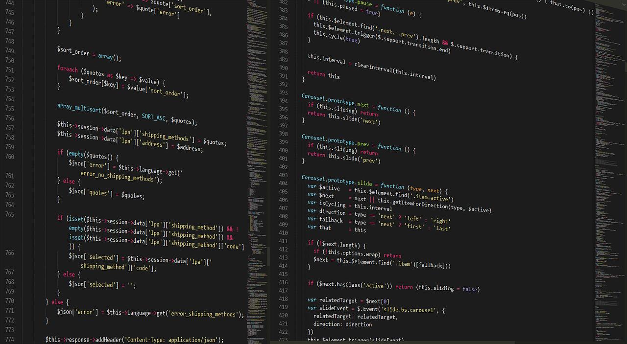 Jakie błędy najczęściej popełniająpoczątkujący programiści? Jaki kurs programowania wybrać, żeby nauczyć się programować. Sprawdzamy.