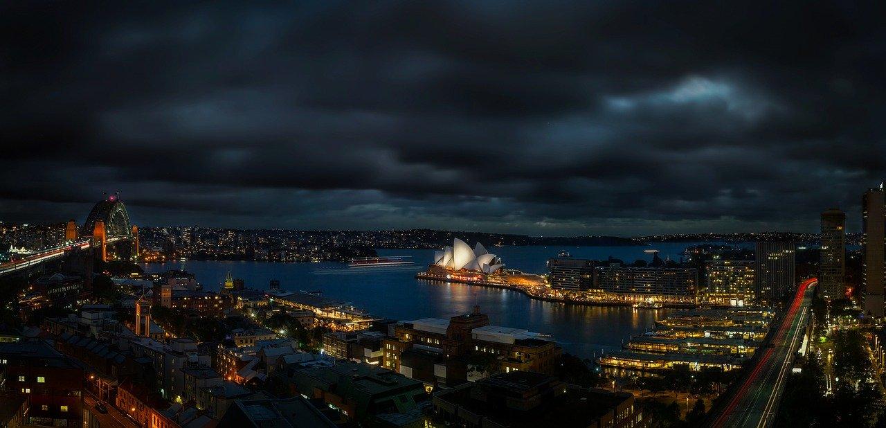 Jak inwestować w nieruchomości w Australii? Czy to już koniec hossy i początek spadków cen mieszkań, apartamentów i domów?