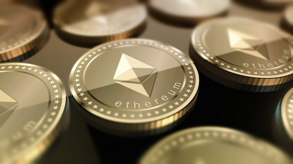 Kurs Ethereum trudno prognozować ze względu na dużo czynników. Projekt ETH ma spory potencjał wzrostu i duże ryzyko ze strony konkurencji.