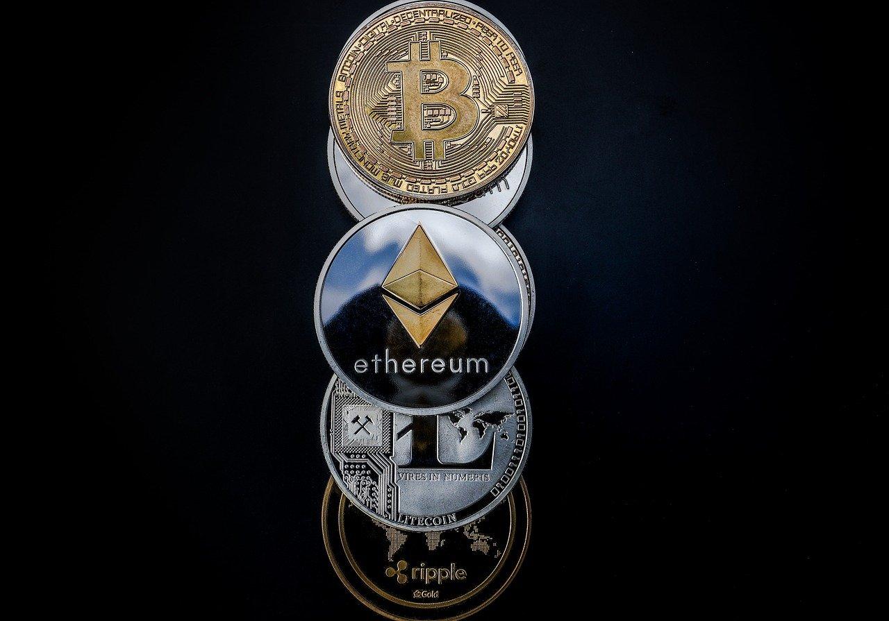 Jak zainwestować w kryptowaluty? Najlepsze zwroty dają ryzykowne projekty krytpowalutowe oparte o blockchain z potencjałem.