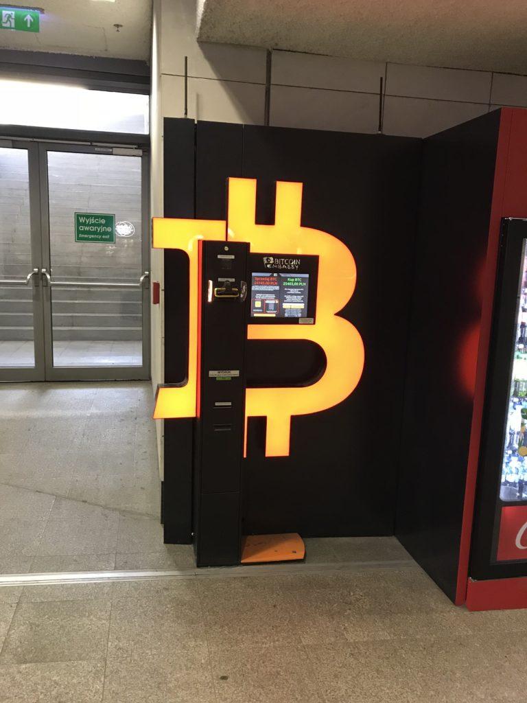 Bankomat Bitcoin, czyli bitomat stoi w każdym większym mieście