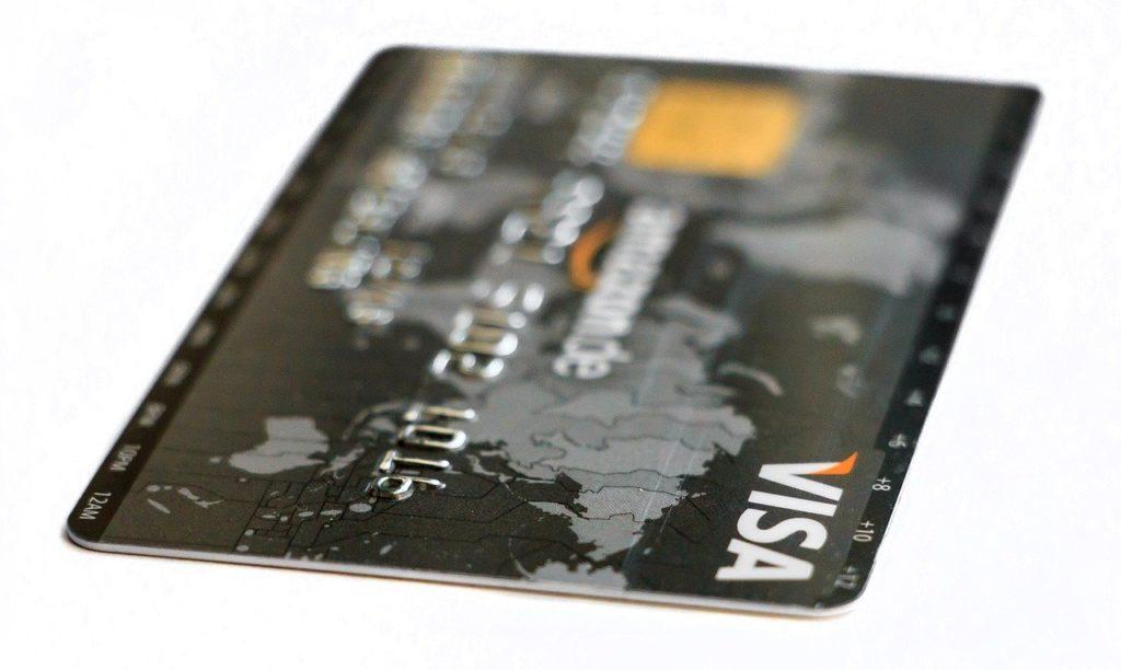 Giełda kryptowalut Binance wspiera karty kredytowe i debetowe Visa do zakupu w złotówkach PLN.