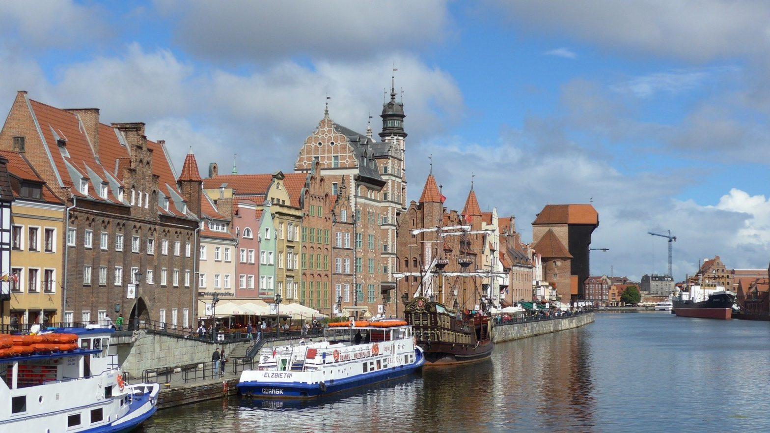 Motyw starego miasta na monecie Solidarność pochodzi z Gdańska.