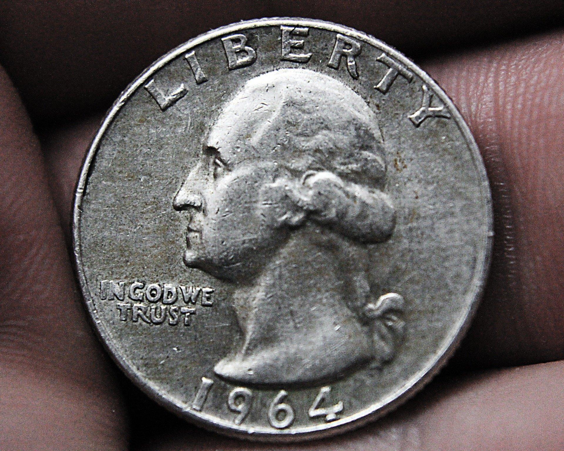 Moneta 25 centów USA z 1964 zawierała aż 90 procent srebra. Jest to świetna metoda na zbieranie fizycznego srebra.