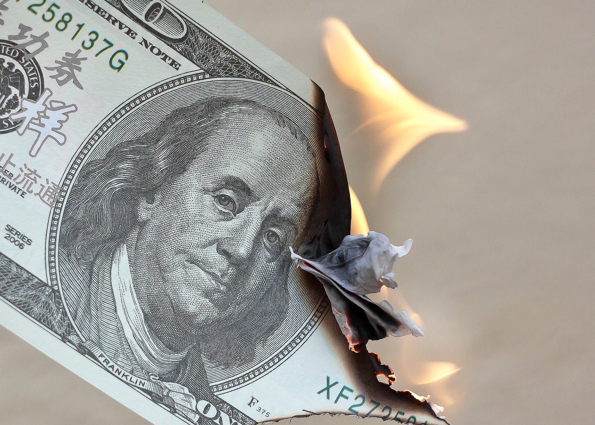 Inflacja to rzeczywisty problem ludzi i zbawienie rządów z zadłużeniowej spirali.